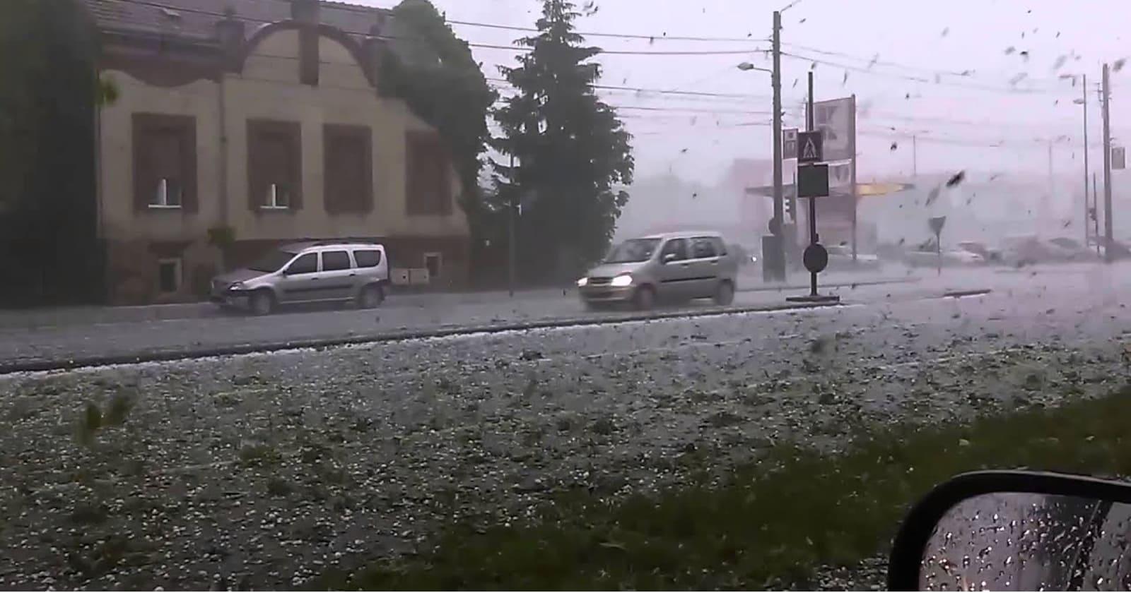 https://ziarul.romania-rationala.ro/control/articole/articole/imparte-doamne-ploaia.jpg